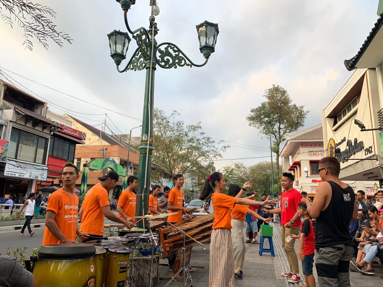 Kemenparekraf Fasilitasi Musisi Jalanan Terdampak COVID-19 Manggung Online