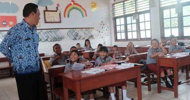 Tunjangan Guru Tetap Diberikan Selama Pandemi COVID-19