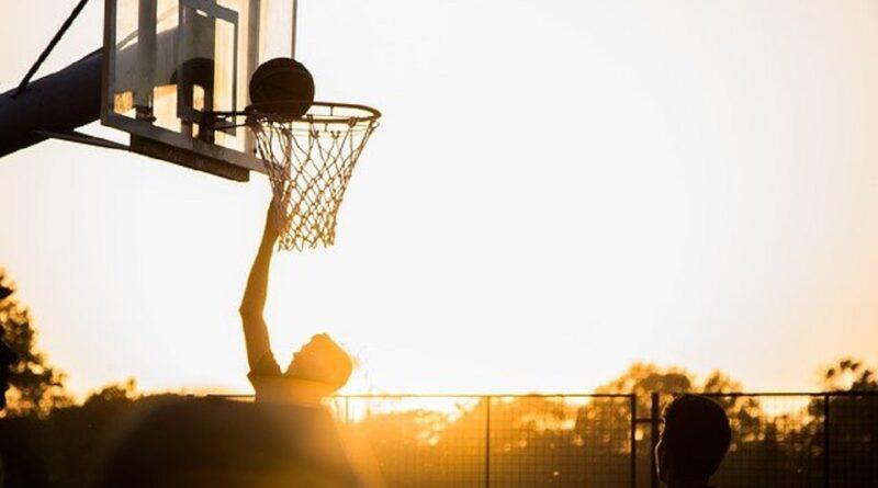 Bola Basket Pengertian, Teknik, Sejarah, Peraturan & Ukuran