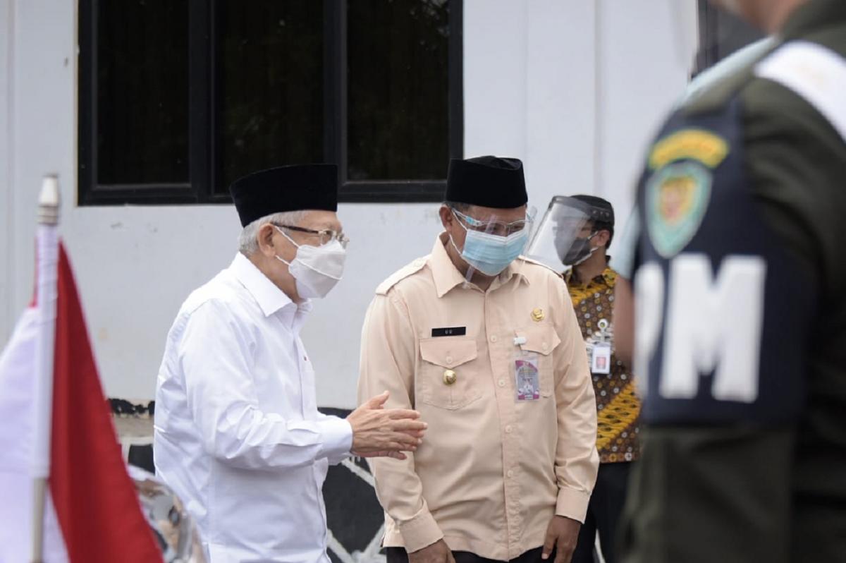 Ma'ruf Amin Tinjau Korban Banjir Subang