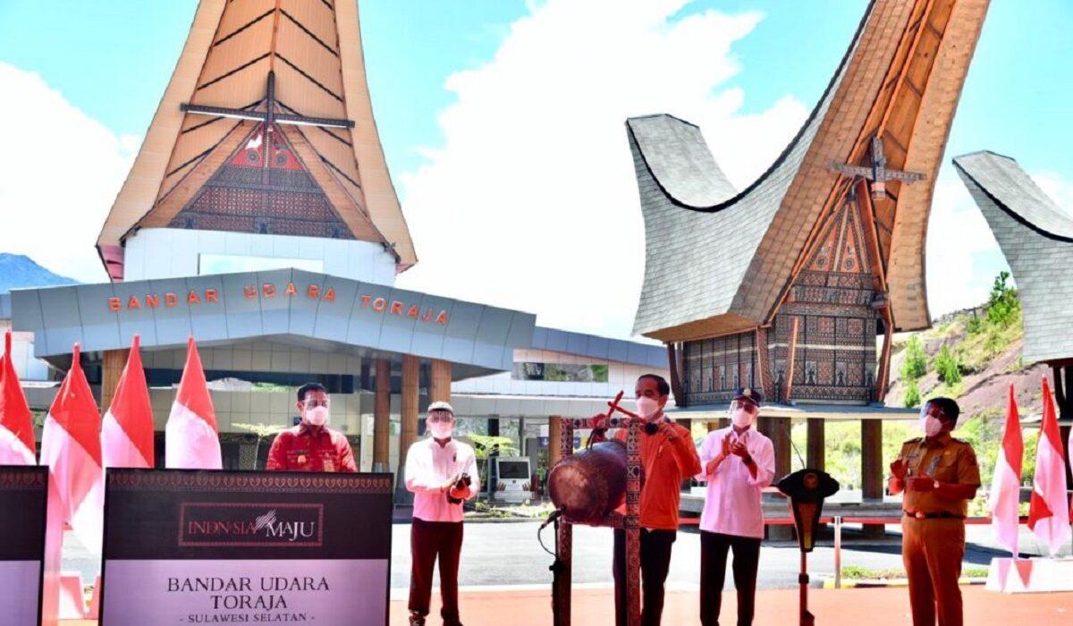 Jokowi Resmikan Bandara Tana Toraja