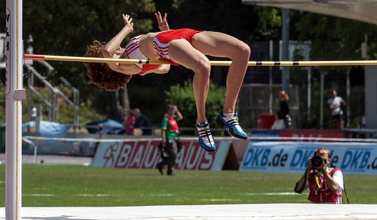 Pengertian Lompat Tinggi : Sejarah, Aturan, Teknik dan lainnya