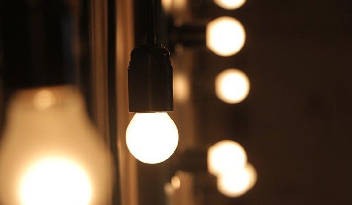 6 Cara Menghemat Energi Listrik di Kehidupan Sehari-Hari