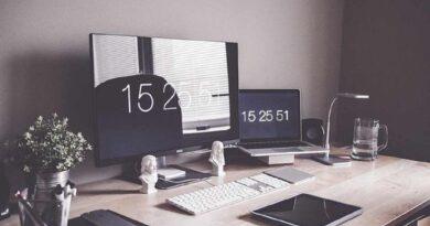 Perbedaan Laptop dan Notebook, Netbook, Plus lainnya