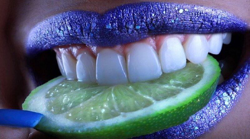 7 Tips Memutihkan Gigi Kuning Secara Alami, Dijamin Ampuh!
